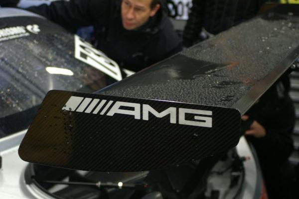 VLN 2015 Lauf 7 - Boxengasse -  new AMG SLS GT3